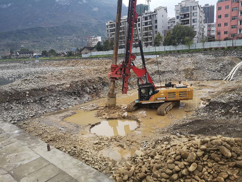 印江县城东郊生态坝基础开挖及旋挖桩基施工